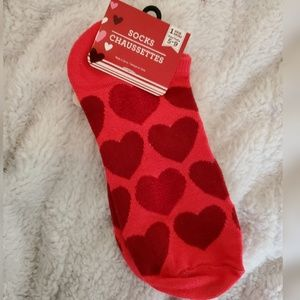 New With Tags Heart Socks